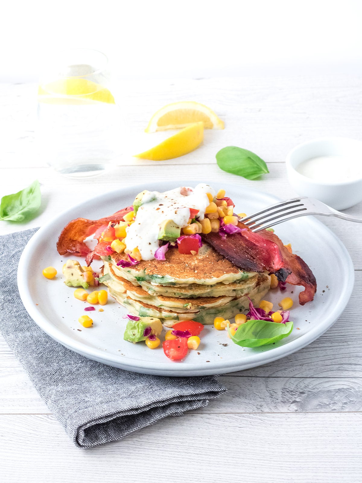 The best parts of breakfast (crispy bacon, pancakes…) made into a delicious savoury dinner. 