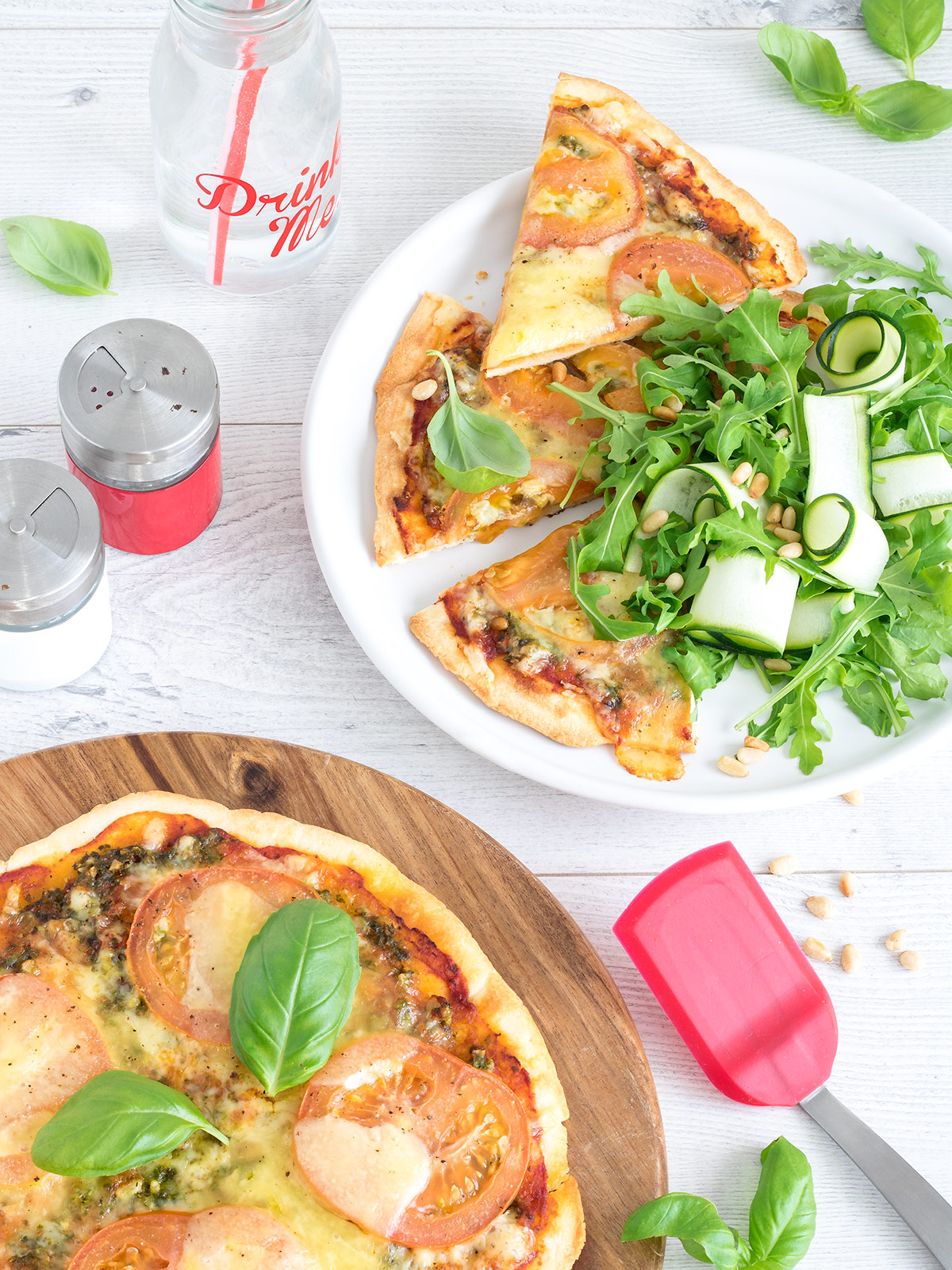 Anyone else love a good, simple Margarita pizza? Tomato, cheese, basil - you can't go wrong!