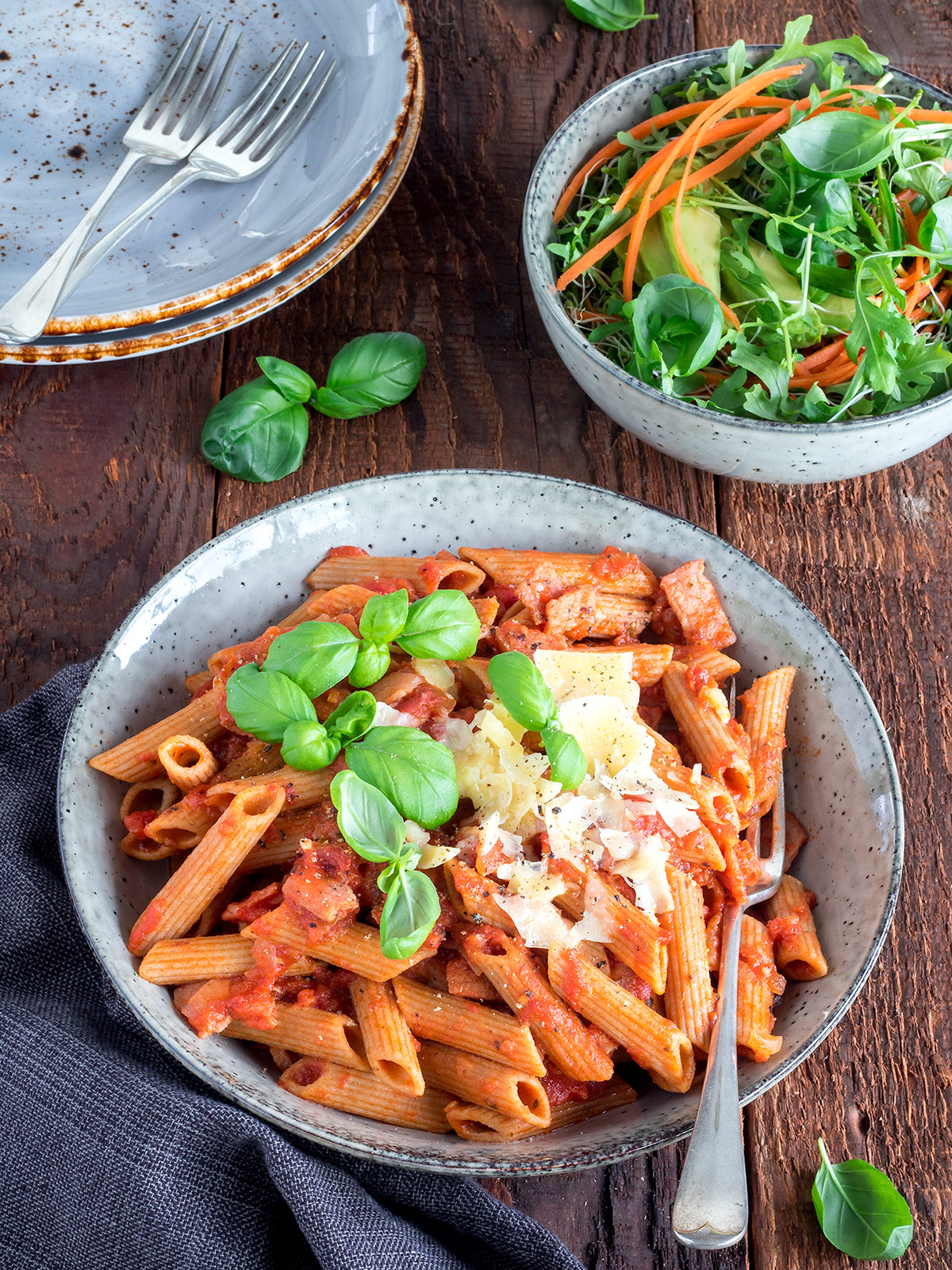 Tomato and bacon pasta is simple home cooking. It's a great meal for busy weeknights. 