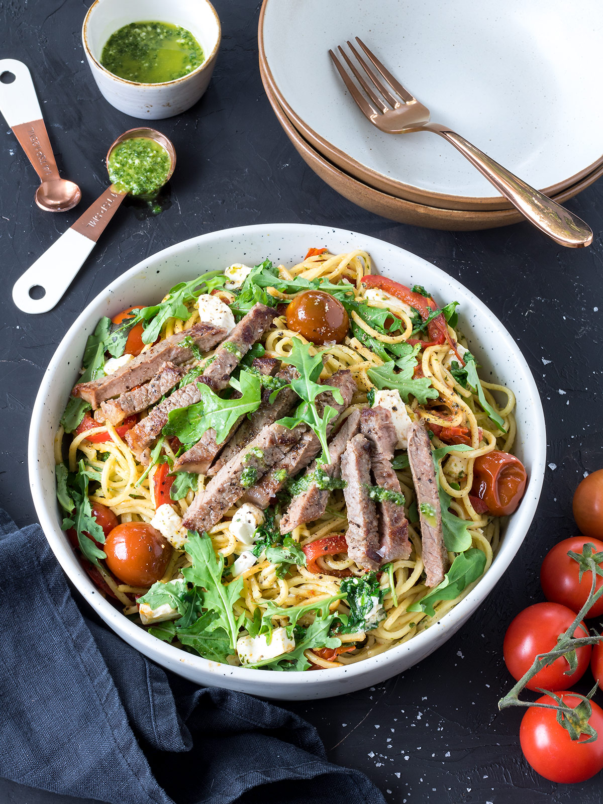 Minimal ingredients, minimal prep time but maximum flavour! This steak and pesto spaghetti is as good as it gets when it comes to easy weeknight meals.